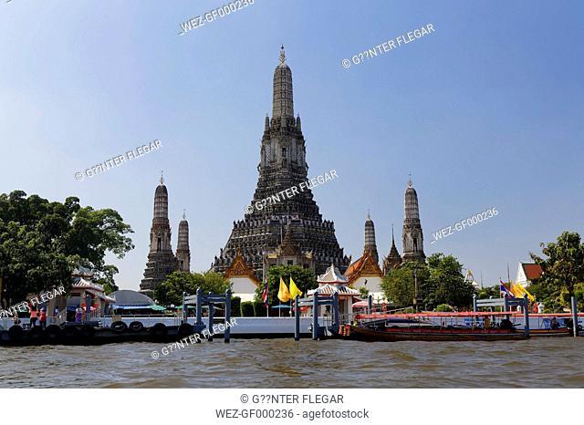 Thailand, Bangkok, View of Wat Arun