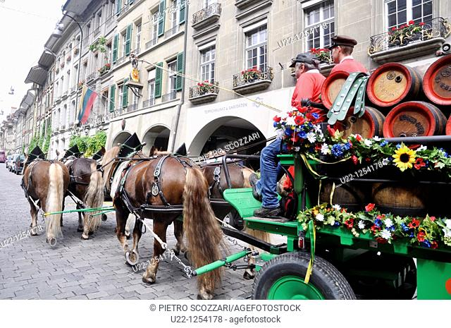 Bern (Switzerland): a beer horse-car along Kramgasse Street
