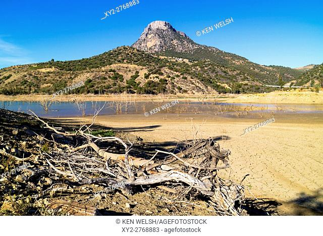 Zahara - el Gastor reservoir, Cadiz Province, Andalusia, southern Spain. El Algarin mountain in the background. This picture was taken on 31-10-2016 when the...