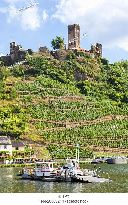 Germany, Rhineland-Palatinate, Moselle, Metternich Castle and Ferry