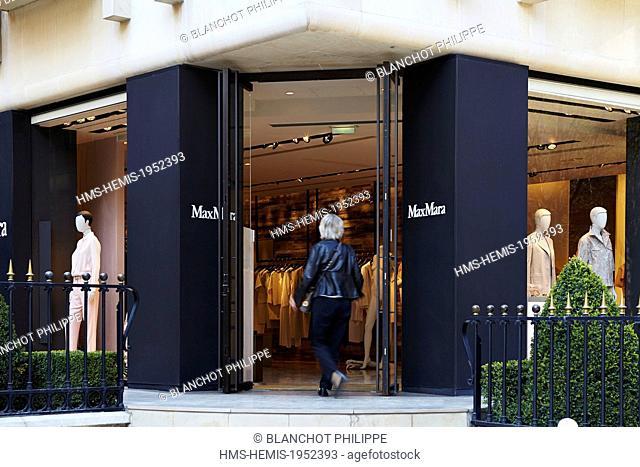 France, Paris, Luxury shops on Montaigne Avenue, Max Mara
