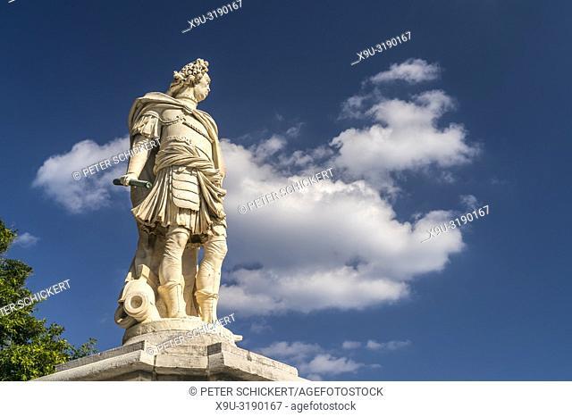Denkmal des Graf Johann Matthias von der Schulenburg in Korfu Stadt, Kerkyra, Griechenland, Europa | The Statue of Mathias Johann von der Schulenburg