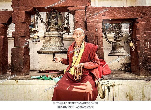 Buddhist monk, Boudhanath Stupa, Boudha, Kathmandu, Nepal