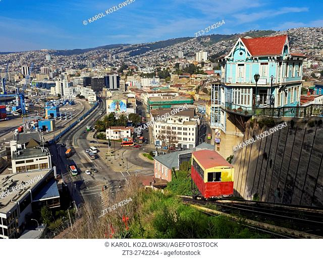 Chile, Valparaiso, View of the Artilleria Funicular Railway