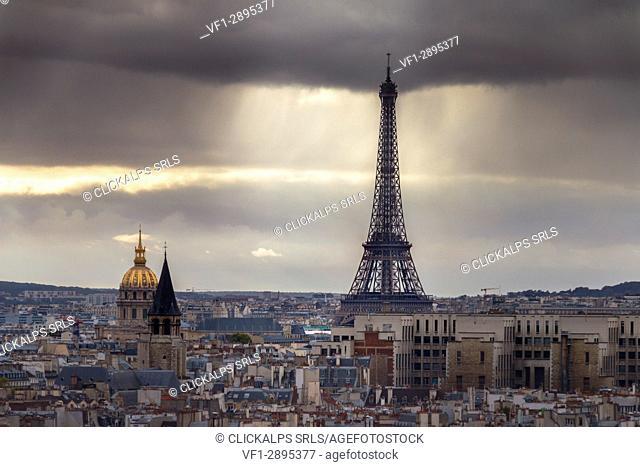View of Tour Eiffel and Hôtel national des Invalides in Paris city. Paris, Île-de-France, France, Europe