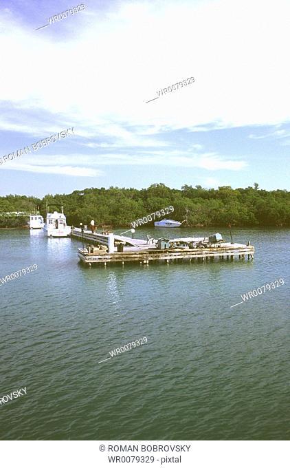 Landing stage to Cayo Levisa