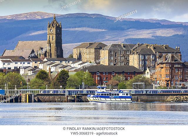 Argyll Ferry approaching Gourock harbour, Firth of Clyde, Renfrewshire, Scotland, UK