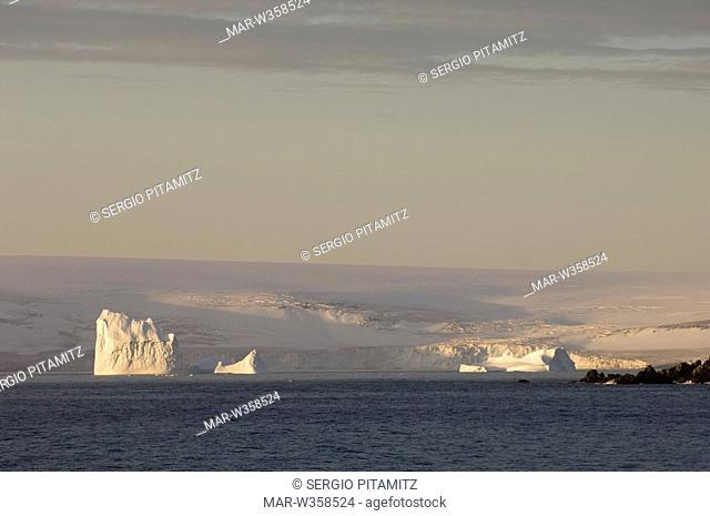 Antarctica, South Shetlands Islands, Livingston Island, False Bay