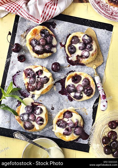 Cherry pastry with vanilla cream