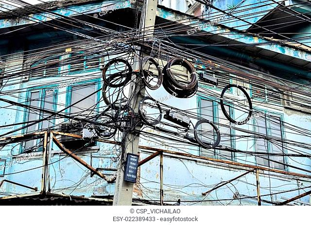 The chaos of cables and wires