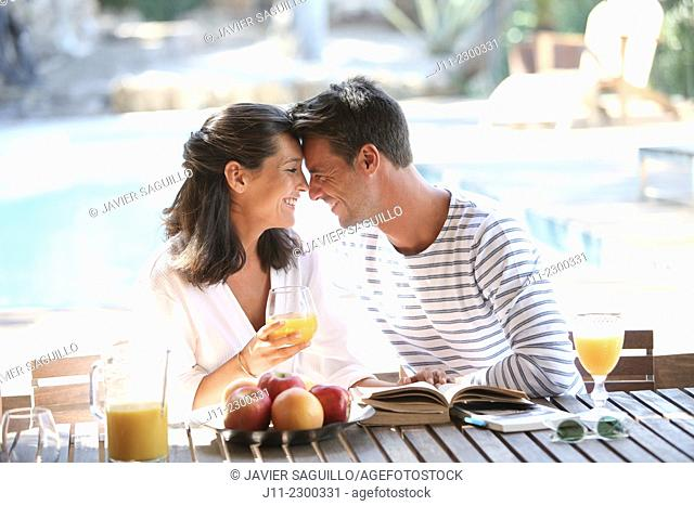 Couple, breakfast