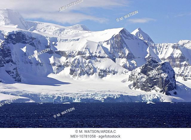 Lemaire channel - Antarctic Peninsula