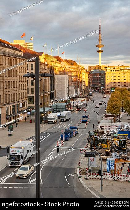 16 October 2020, Hamburg: View of the construction site at Jungfernstieg. A change in traffic routing in the Jungfernstieg area came into effect in the morning