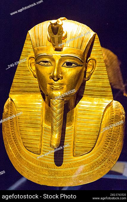 Egypt, Cairo, Egyptian Museum, jewellery found in the royal necropolis of Tanis, burial of the king Psusennes I : Gold mask covering the upper part of the mummy