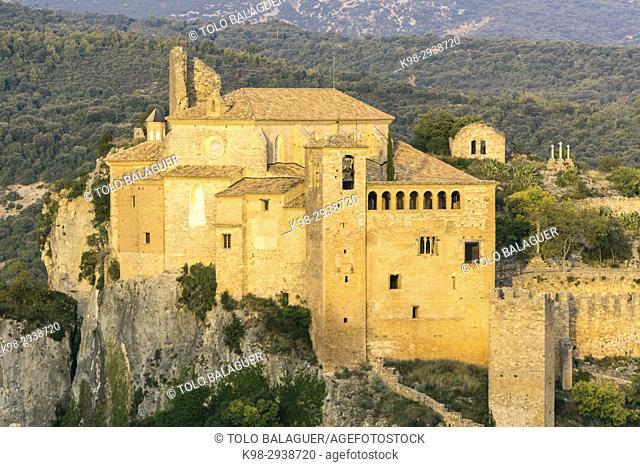 colegiata-castillo Santa María la Mayor, fortaleza, construida en el siglo ix por Jalaf ibn Rasid, Alquézar, Monumento Histórico Artístico Nacional