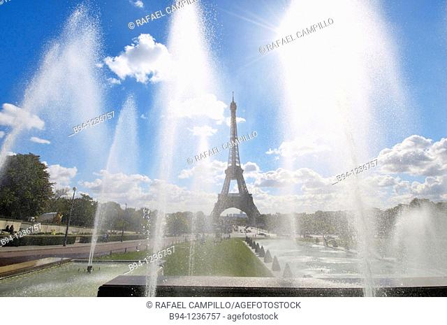 Eiffel Tower and Warsaw Fountain by Roger-Henri Expert in the Gardens of the Trocadero, Paris, France