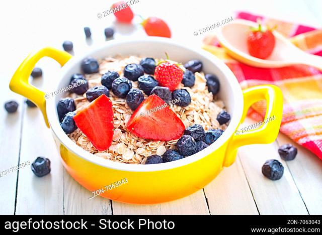 oat flakes with fruits in the bowl
