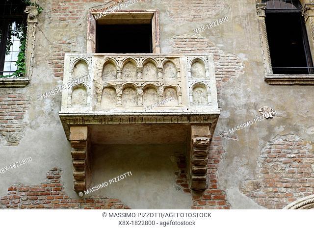 Juliet's house and balcony in Verona, Italy