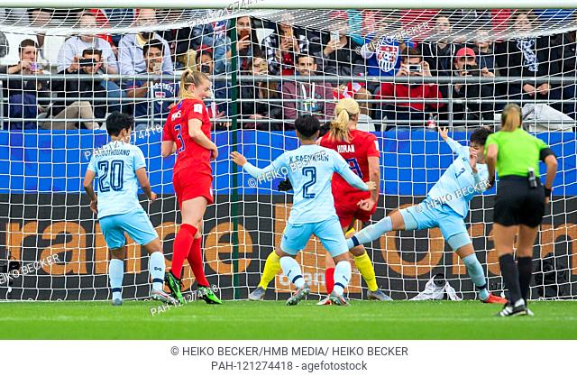 France, Reims, Stade Auguste-Delaune, 11.06.2019, Football - FIFA Women's World Cup - USA - Thailand Image: ltr goal to make it 3-0 by Lindsey Horan: Wilaiporn...