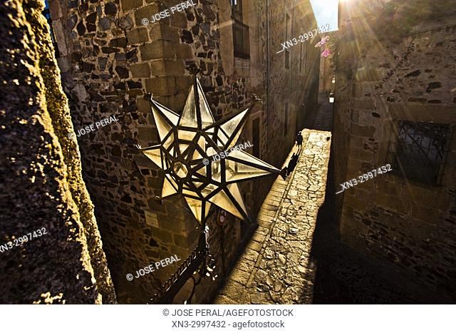 Arch of the Star, Arco de la Estrella or Puerta Nueva, Arch of the Star Street, Old Town of Cáceres, medieval town, World Heritage City by UNESCO, Caceres City