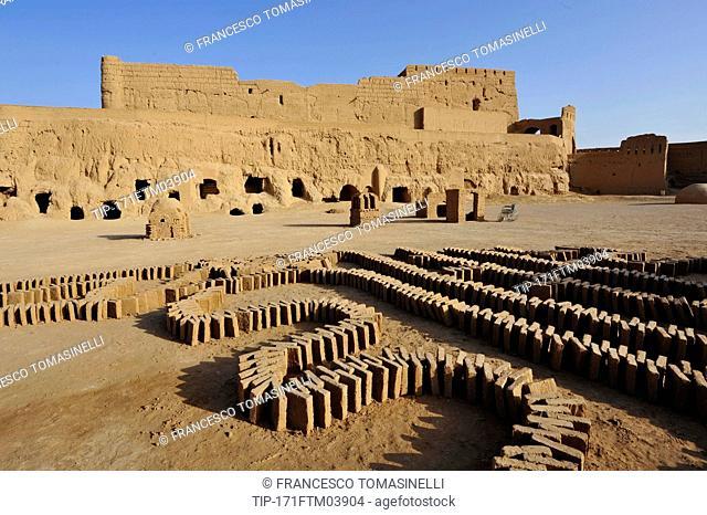 Iran, Yazd, Meybod, Narin Castle, Tower