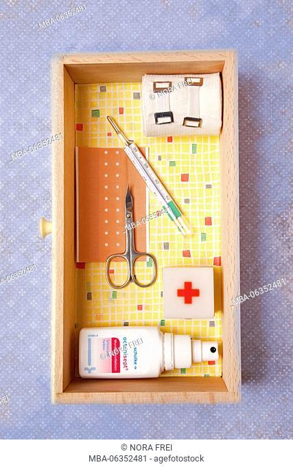 Medicine chest, first aid, medicine, health