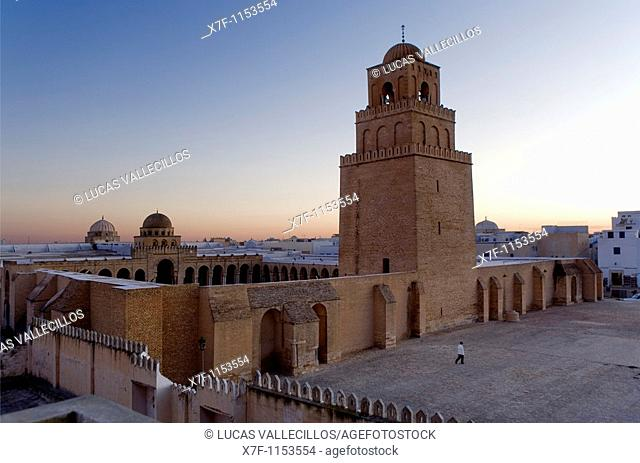 Tunez: Kairouan The Great Mosque  Mosquee founded by Sidi Uqba in the VIth century is the most ancient place of prayer in North Africa