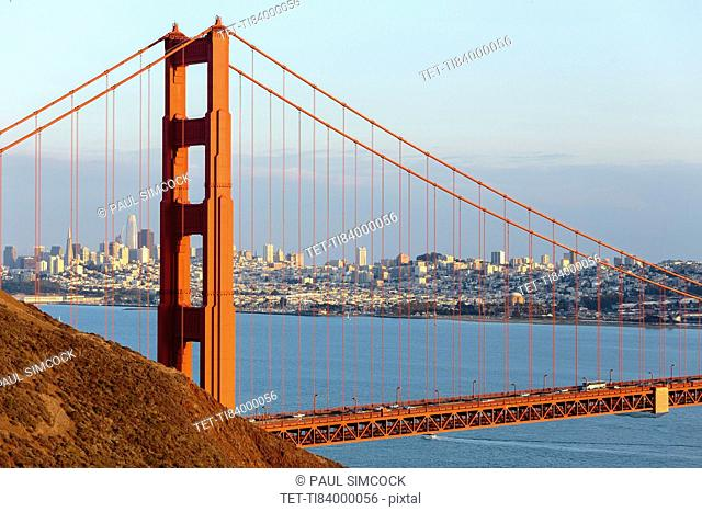 USA, California, San Francisco, Golden Gate Bridge with city skyline in background