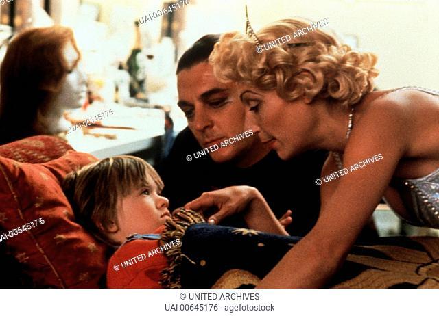BOGUS / Bogus USA 1995 / Norman Jewison Szene: Der kleine Albert (HALEY JOEL OSMENT) wächst zwischen den Showgirls von Las Vegas auf