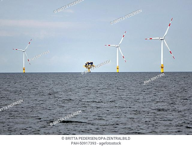 Baltic 1 Offshore Wind Farm off the coast of Mecklenburg-Western Pomerania, Germany, 05 August 2014. Photo: BRITTA PEDERSEN/dpa | usage worldwide