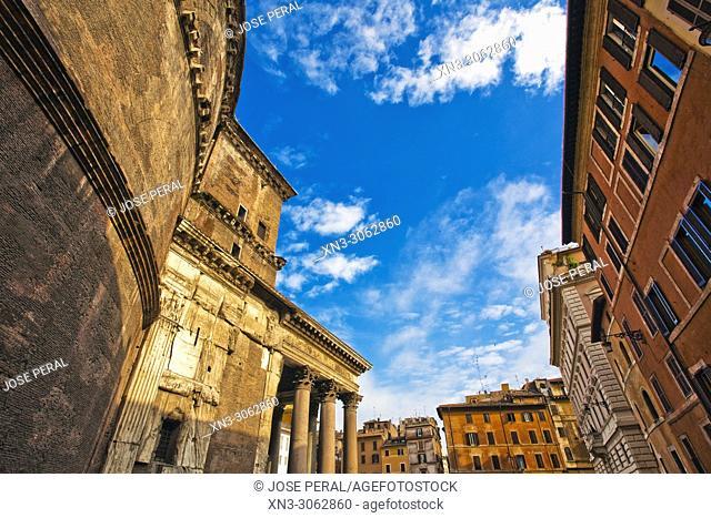 Pantheon, Roman temple with Corinthian columns, Piazza della Rotonda square, Rome, Lazio, Italy, Europe