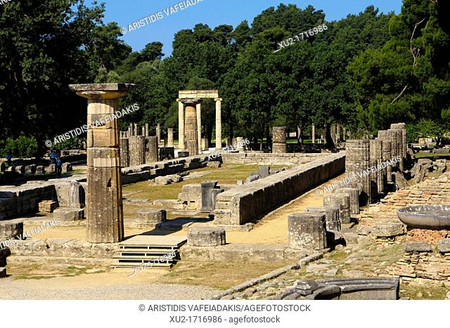 Ancient Olympia  The Temple of Hera, one of the oldest temples in Greece ca 600 BC it was Doric peripteral, with 6*16 columns
