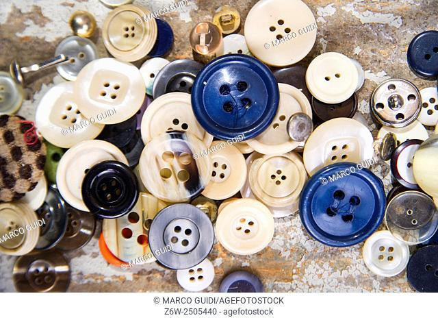 Presentation of old buttons used for clothes and dresses