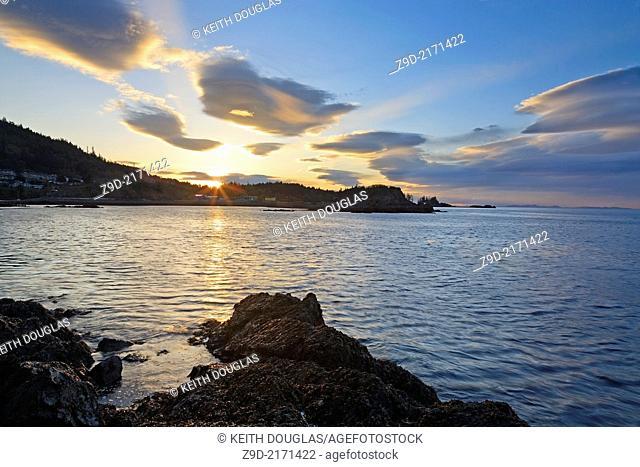 Sunset over Hammond Bay, north Nanaimo, Vancouver Island, BC