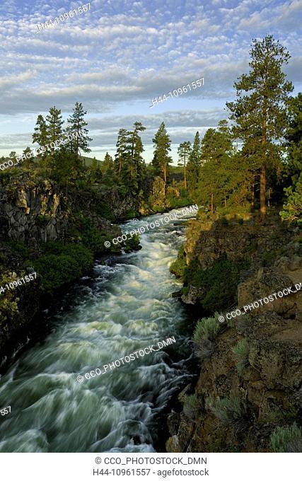 Deschutes, River, canyon, gorge, sunrise, mist, misty, fog, foggy, backlighting, river, stream, brook, rushing, OR, Oregon, USA, America, United States