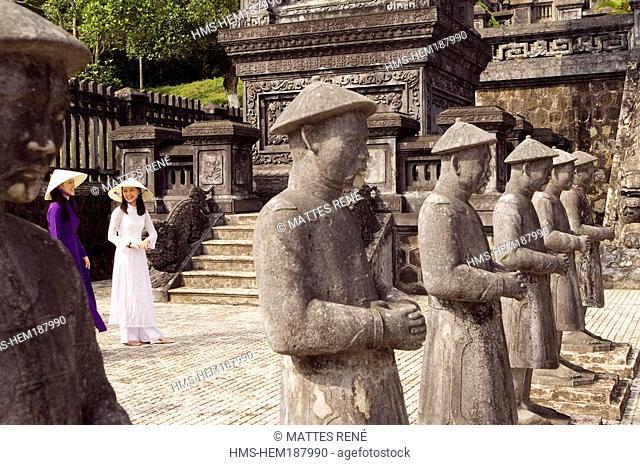 Vietnam, Thua Thien Hué province, Hué city, Khai Dinh' s grave, Young women wearing traditional clothes