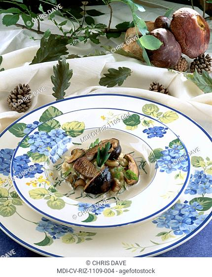 Creamy risotto with cepes - Rice, onion, white wine, broth, parsley, cream