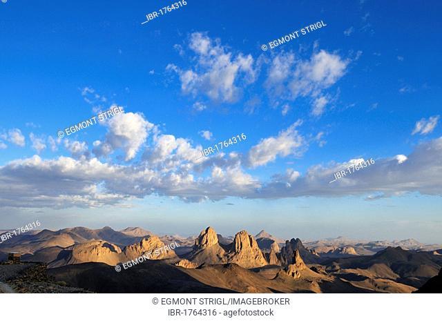 View from Assekrem over the volcanic landscape of Atakor, Hoggar, Ahaggar Mountains, Wilaya Tamanrasset, Algeria, Sahara, North Africa