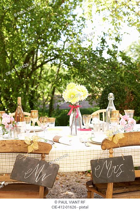 Table setting for outdoor wedding reception