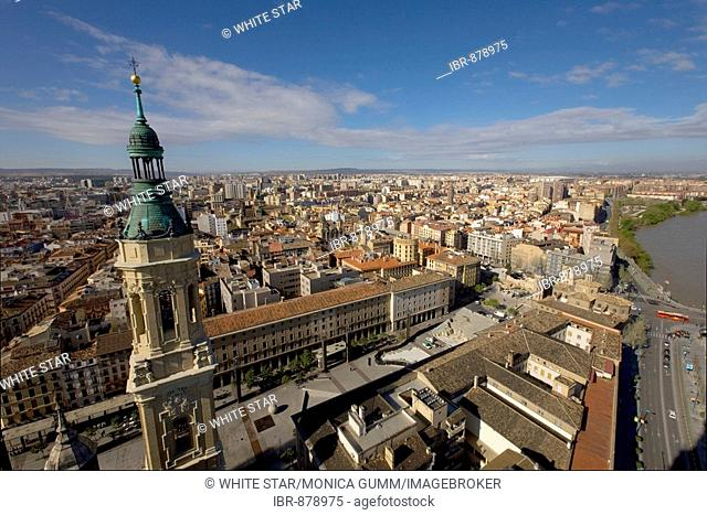 View of the city from the Basilica del Pilar, host city of Expo 2008, Zaragoza, Aragon, Spain, Europe