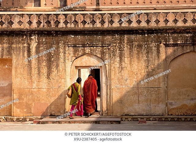Amber Fort wall, Jaipur, Rajasthan, India, Asia