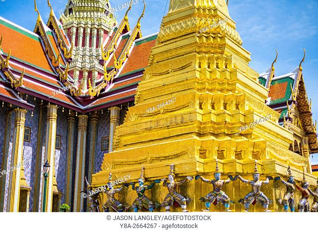 Prasat Phra Thep Bidon and Golden Stupa at Temple of the Emerald Buddha (Wat Phra Kaew), Grand Palace complex, Bangkok, Thailand