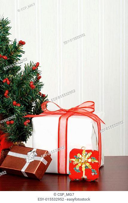 Mini christmas tree with presents
