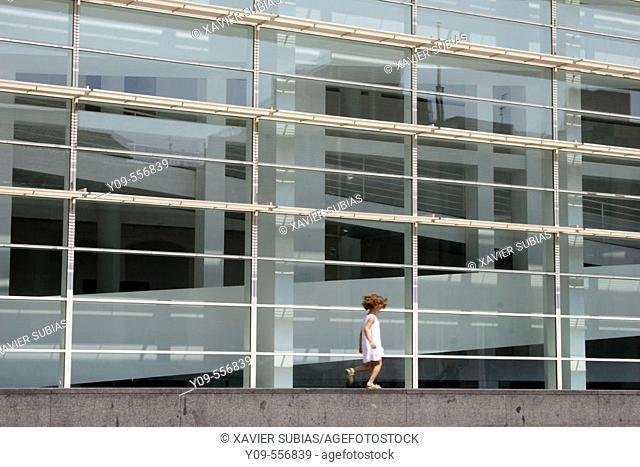 MACBA (Museu d'Art Contemporani de Barcelona) by Richard Meier, Barcelona. Catalonia, Spain