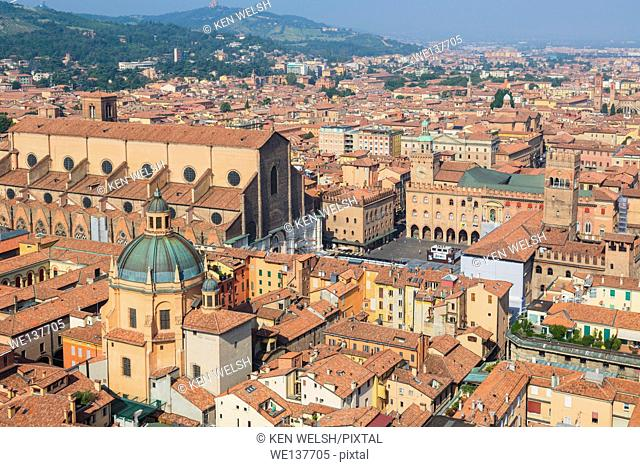 Bologna, Emilia-Romagna, Italy. Overall view of the historic centre of the city and the church of San Petronio, founded in 1390