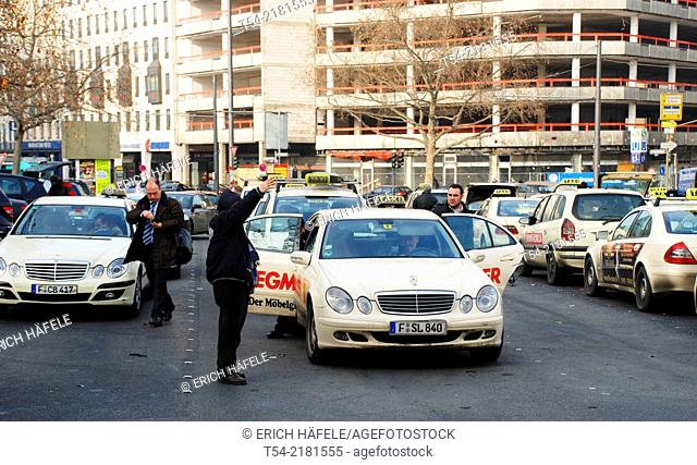 The taxi stand at Frankfurt Central Station