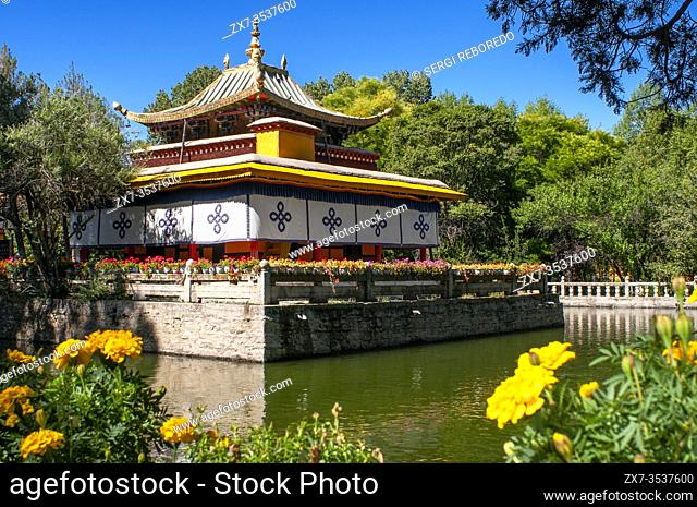 Norbulingka Palace or summer palace, Lhasa, Tibet Xizang, China. The palace served as the traditional summer residence of the successive Dalai Lamas from the...