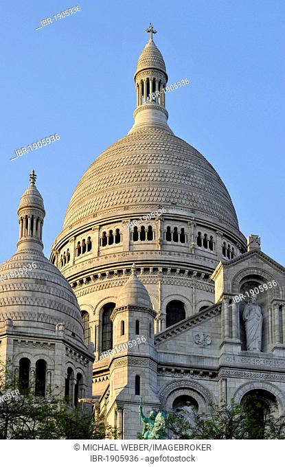 Dome of the Basilica of the Sacred Heart, Sacré-Coeur Basilica, Montmartre district, Paris, France, Europe