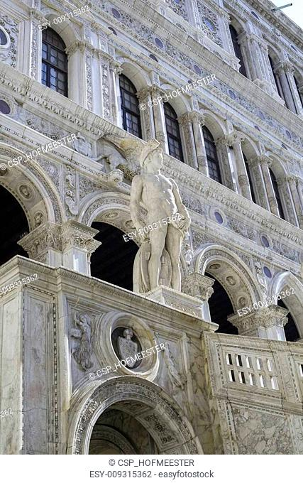 Mars statue at the Doge's palace in Venice