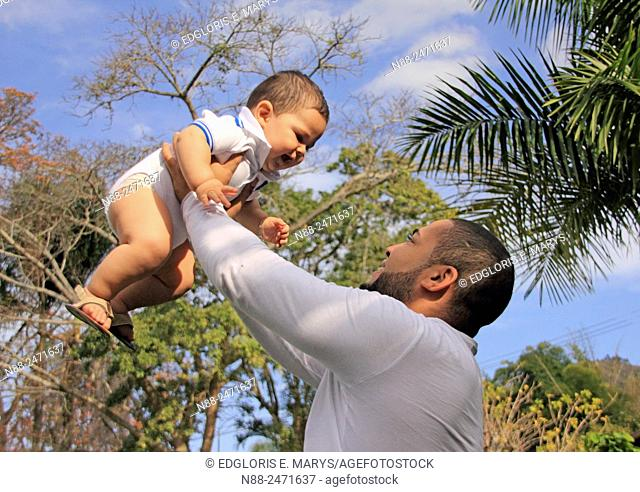 Latin american father and kid